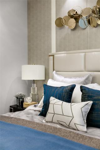 轻奢样板房装修床头细节图
