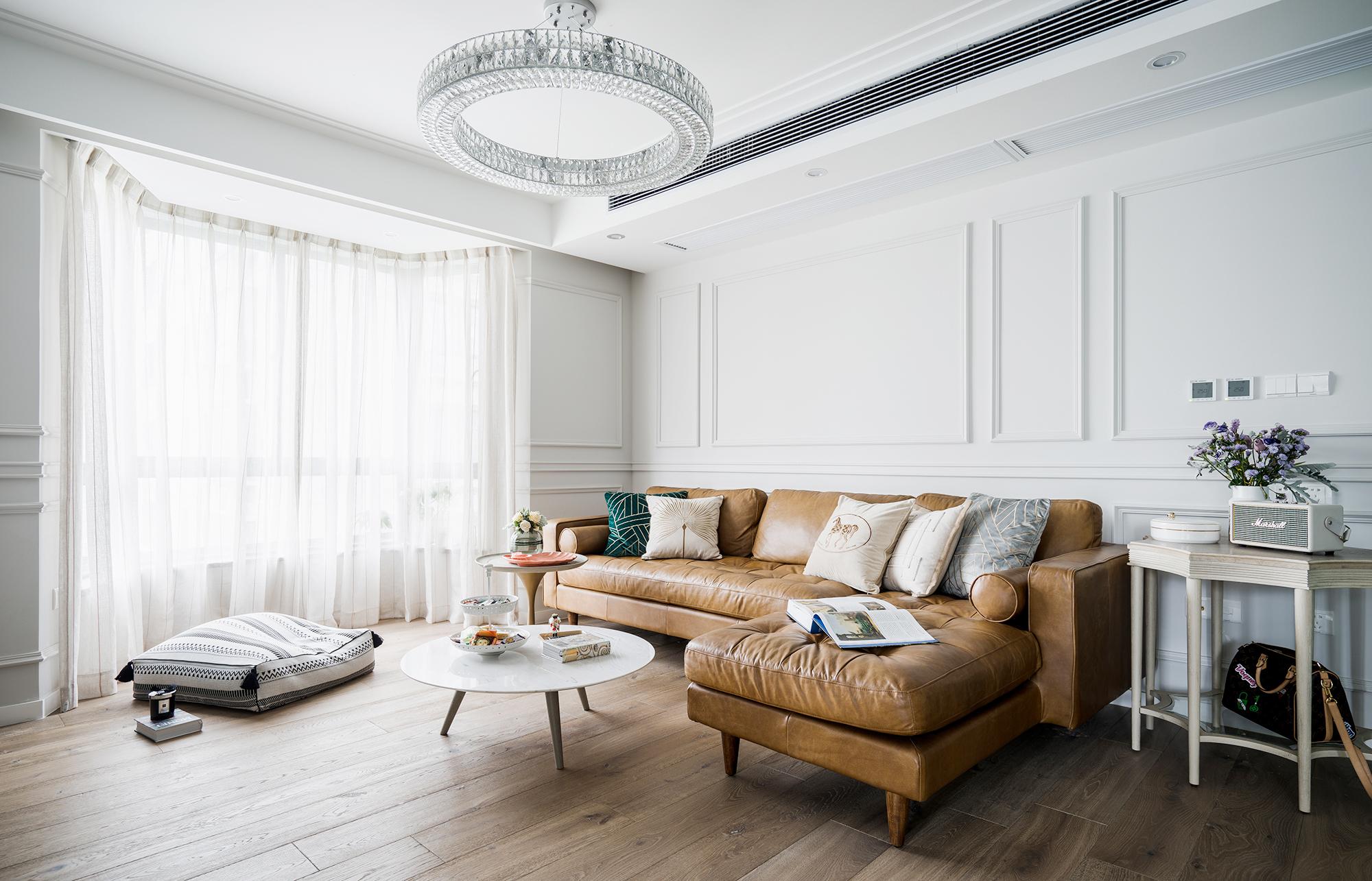 118平现代混搭风沙发墙装修效果图