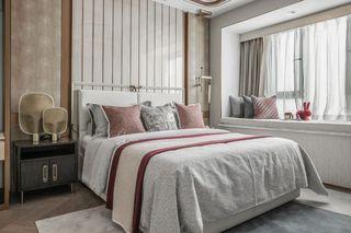 110平现代轻奢卧室装修效果图