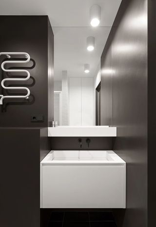 黑色系小户型卫生间装修效果图
