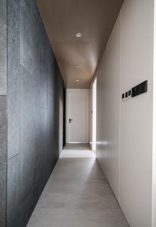 极简现代三居走廊装修效果图