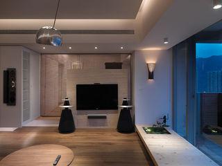自然风日式客厅电视背景墙设计