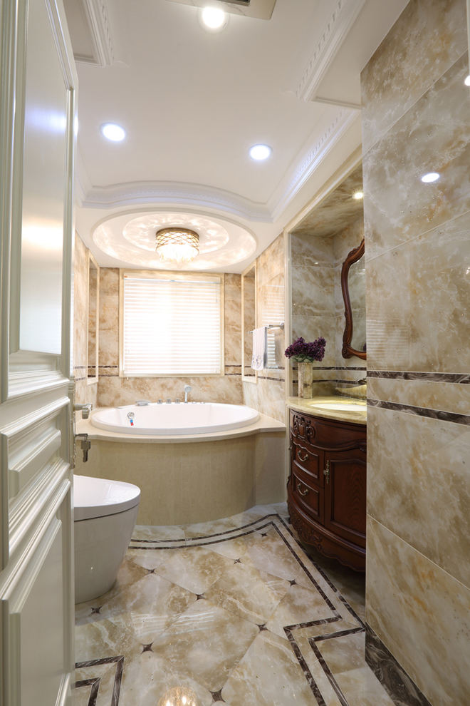 华丽大气简欧风 大理石浴室效果图