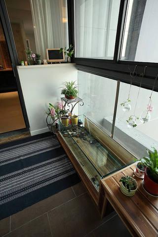 现代创意封闭式阳台设计