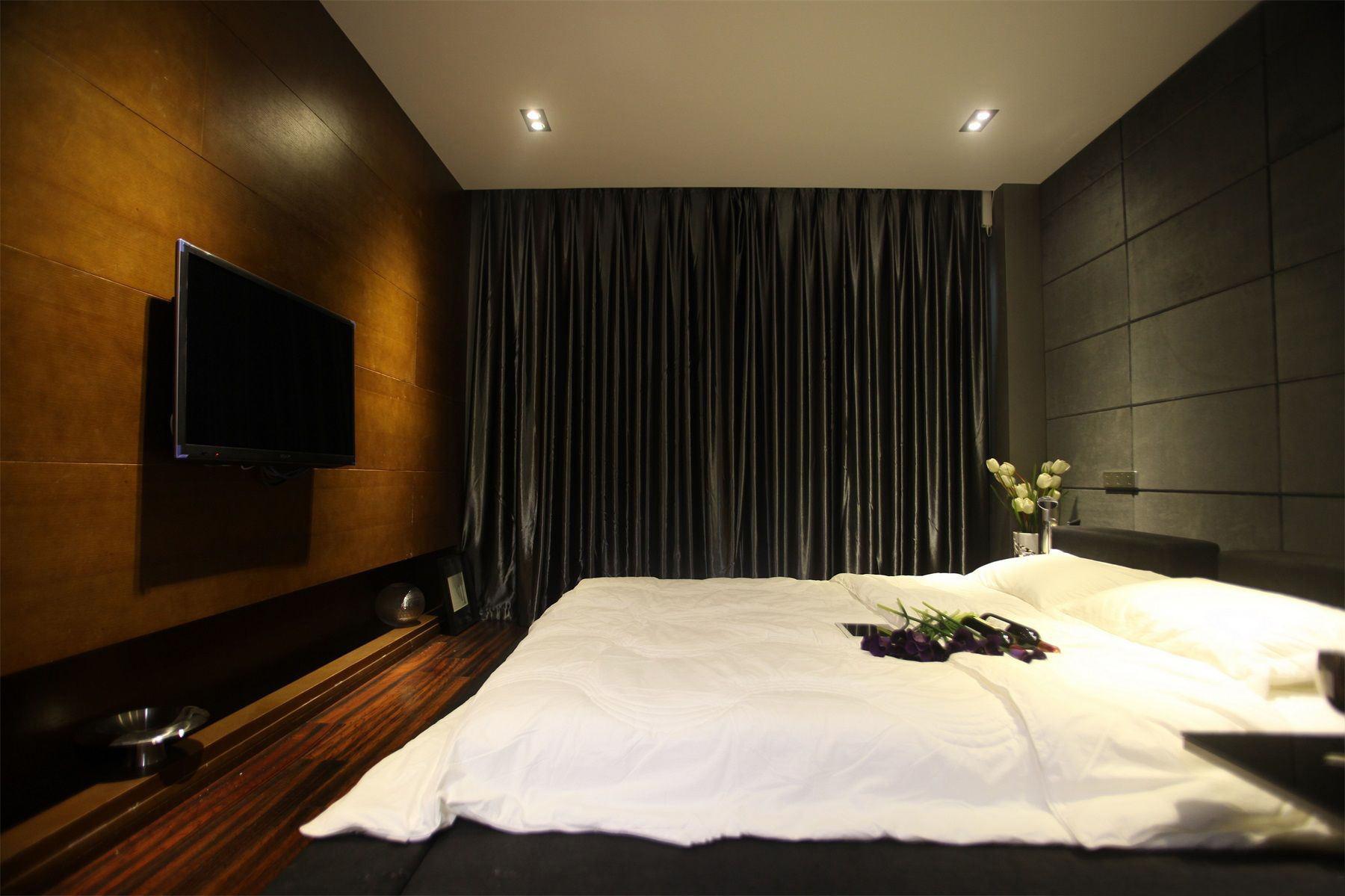 摩登深色系简约风卧室 黑色窗帘效果图