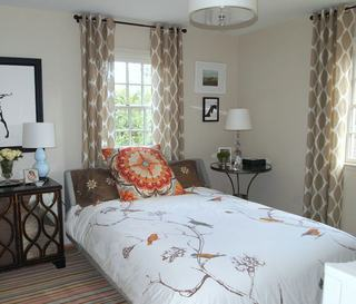 时尚简约卧室窗帘装饰图