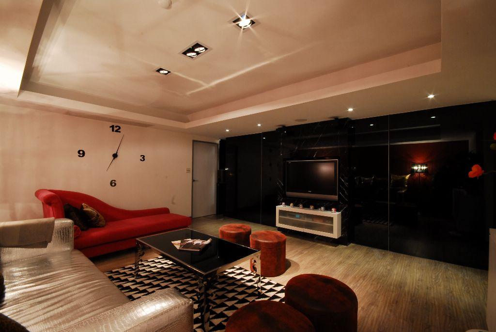 摩登现代风客厅 黑色背景墙欣赏