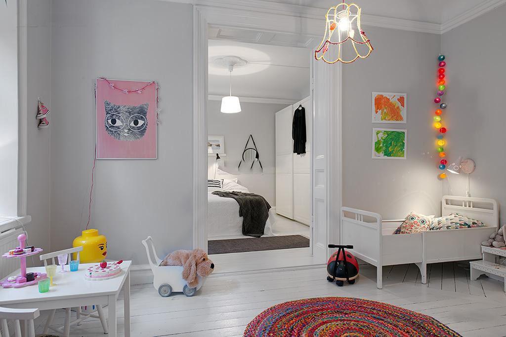 极简北欧风婴儿房照片墙效果图