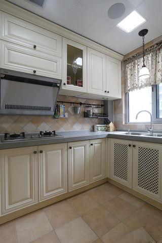 浪漫乡村美式厨房 米白色橱柜效果图