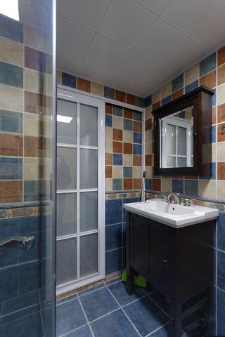 美式田园风卫生间彩砖装饰