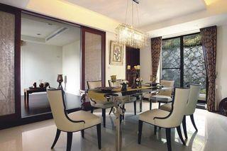 新古典风格餐厅桌椅装饰