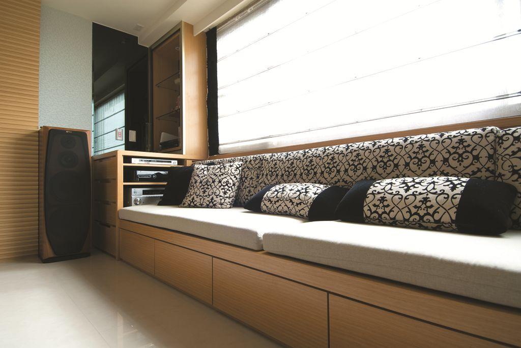 沉稳中式家居 图腾沙发垫图片
