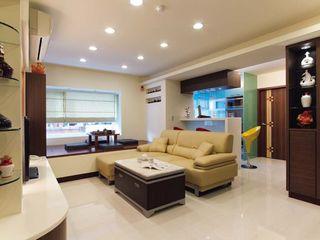 简约现代客厅厨房隔断设计