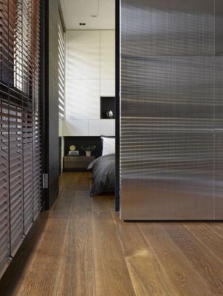素雅现代卧室隔断设计