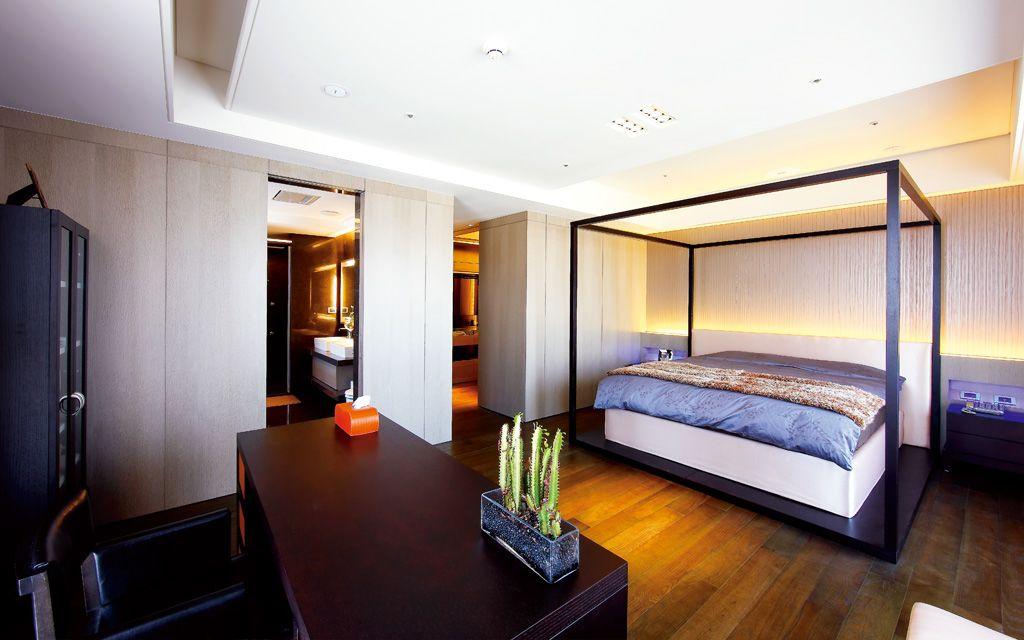 现代中式风主卧四柱床设计