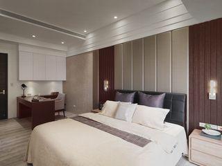 现代家装卧室床头设计