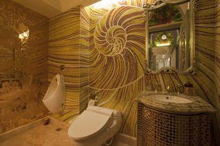 欧式宫廷风 卫生间马赛克背景墙装饰