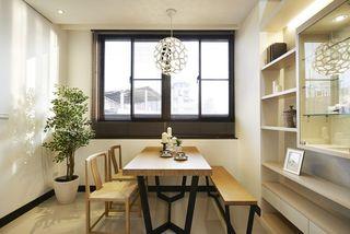 日式风格餐厅实木餐桌椅设计
