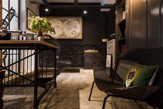 黑色工业风混搭复式家居设计