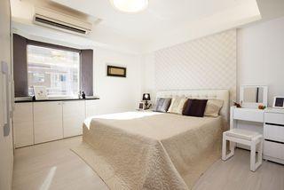 现代简约装修卧室窗户效果图