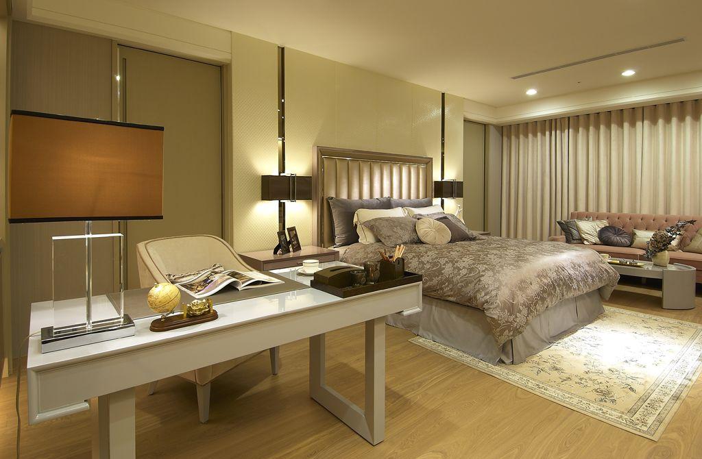 金碧辉煌欧美风 卧室书房一体设计