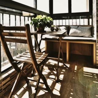 现代简约阳台休闲桌椅设计