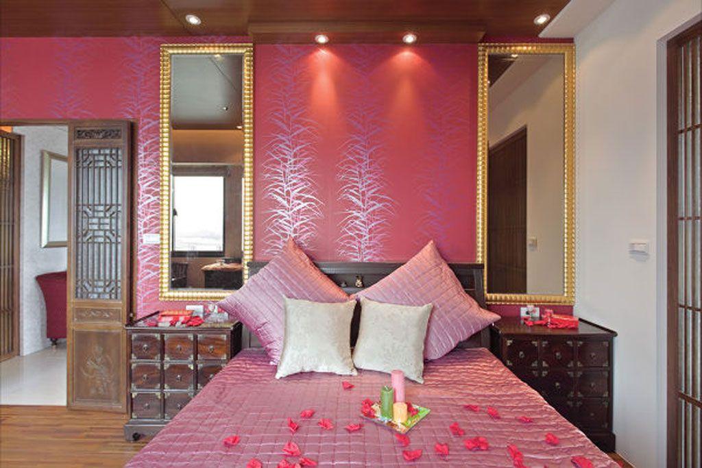 浪漫皮粉中式婚房背景墙设计