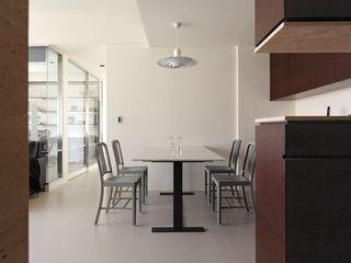 简洁现代公寓餐厅效果图