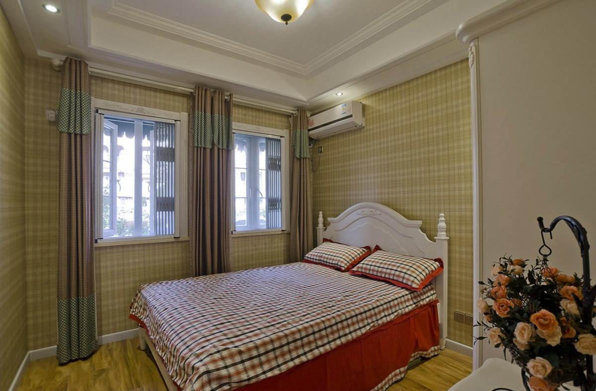 浪漫欧式风格侧卧装潢图