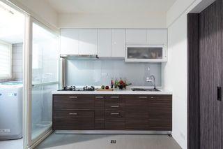 休闲现代风厨房橱柜效果图