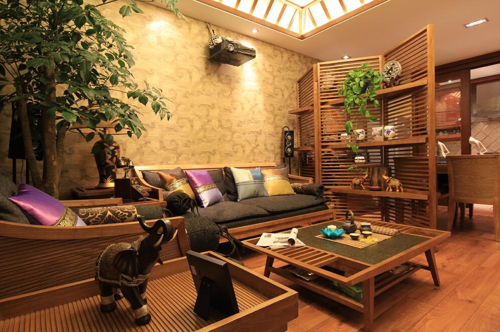 原木东南亚风情客厅家装图