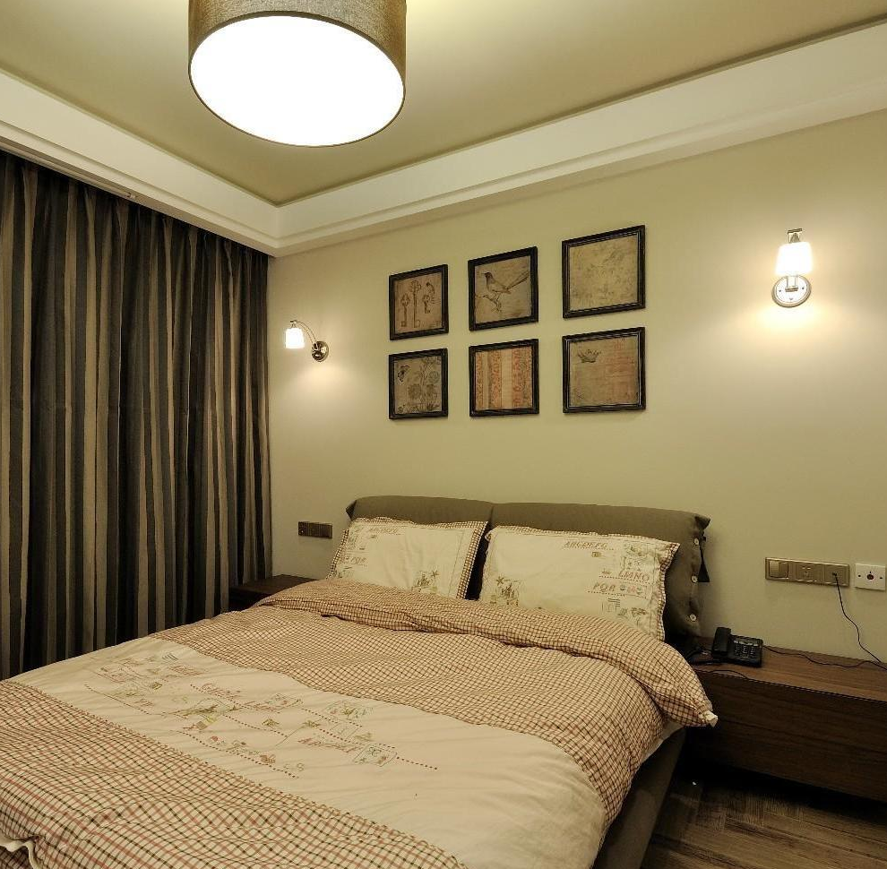 休闲美式卧室照片墙效果图