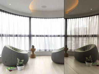 时尚现代风 封闭式阳台窗帘设计