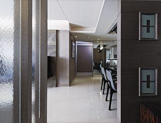 现代三居室内过道吊顶设计