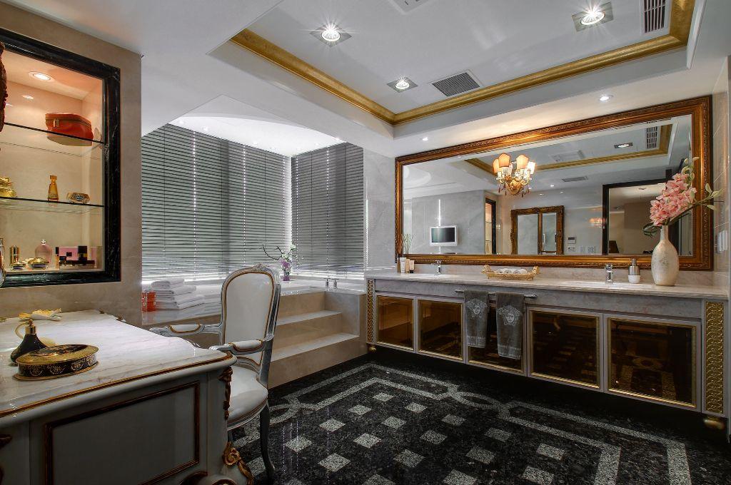 奢华新古典别墅卫生间装修图