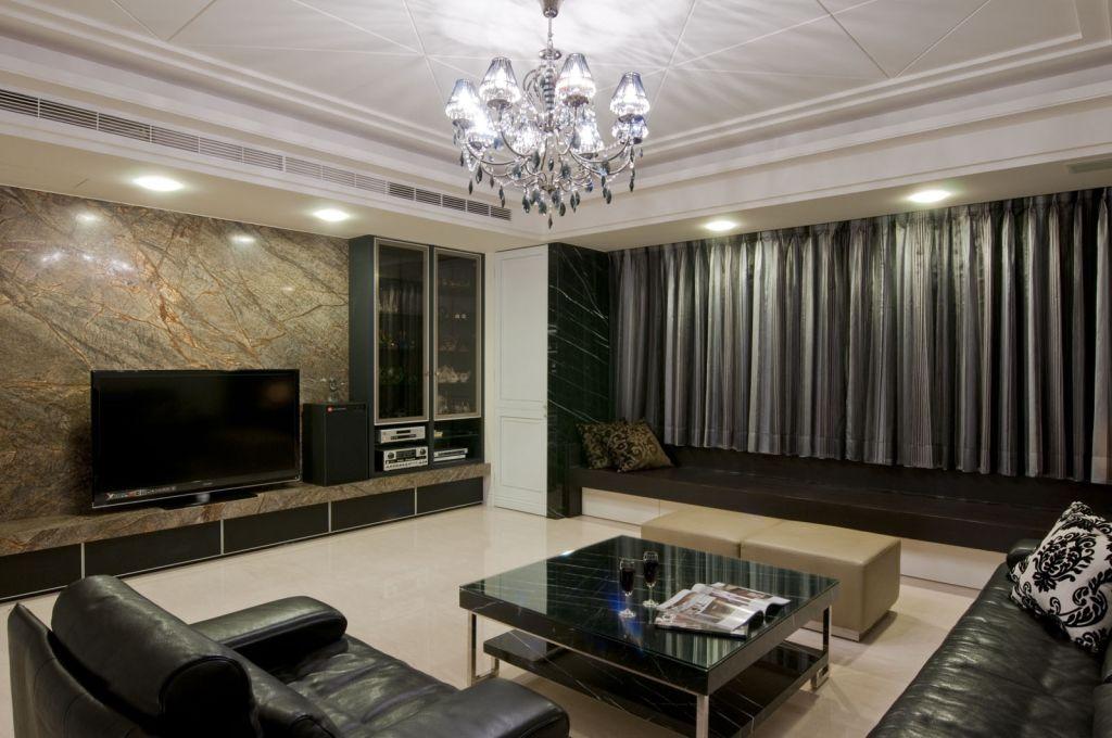 时尚黑色现代客厅家装图