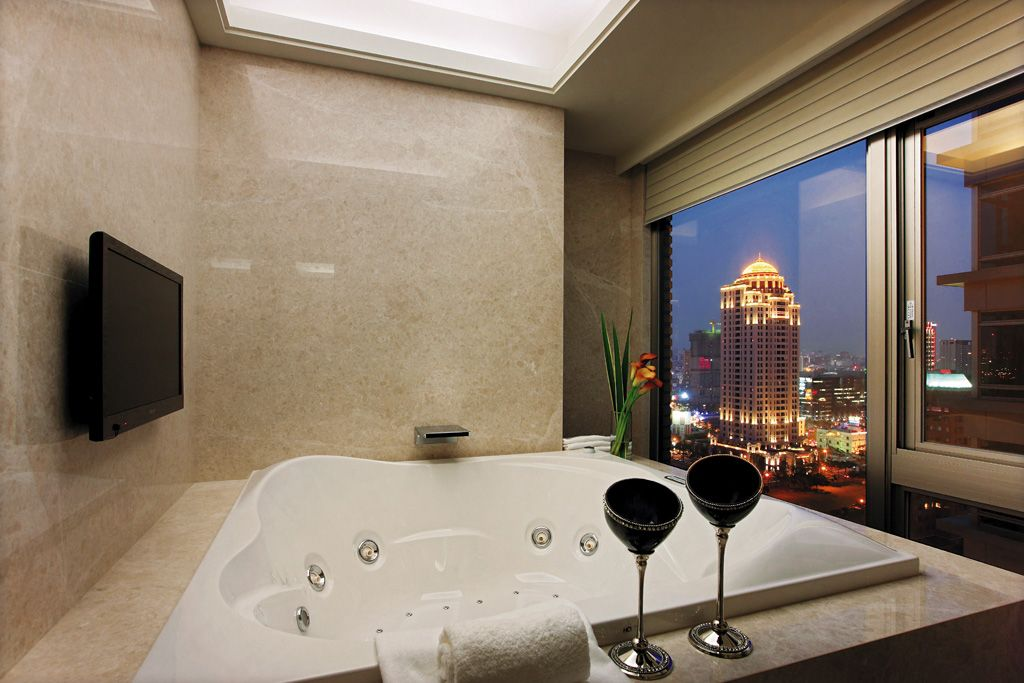 高级都市现代风公寓浴缸设效果图