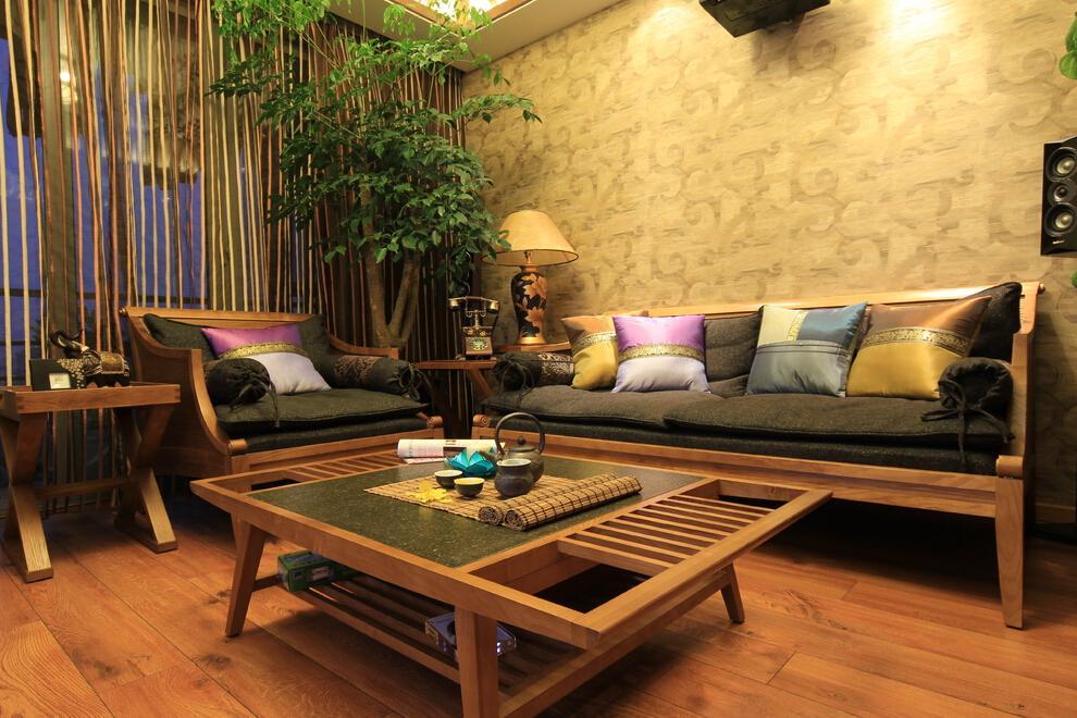 东南亚风格客厅实木茶几设计