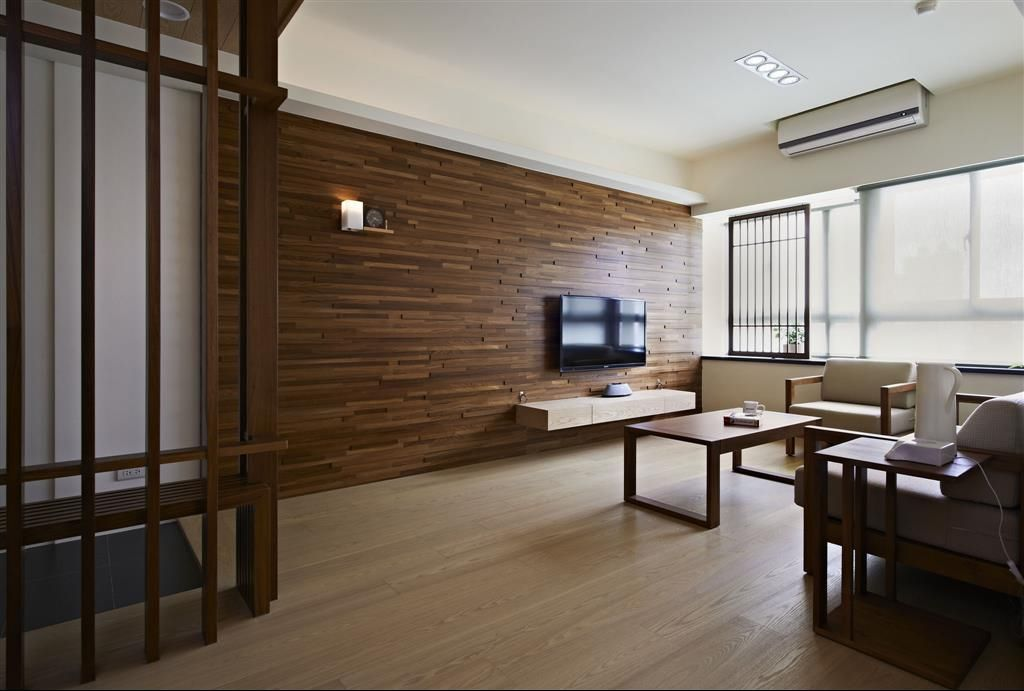 日式客厅原木电视背景墙设计