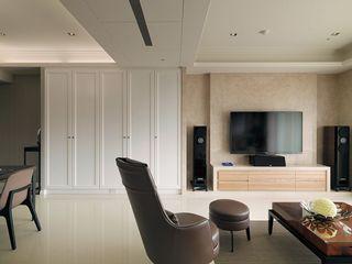 米色现代客厅 大理石电视背景墙设计