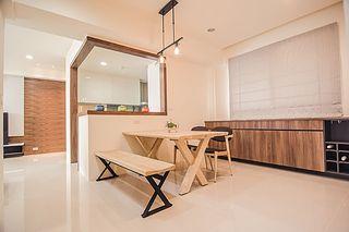 休闲美式餐厅 实木餐桌椅装饰图