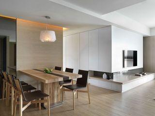 原木现代家居餐厅装饰案例图