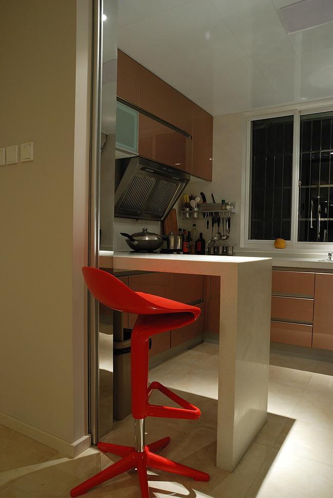 现代简约厨房 大理石吧台效果图