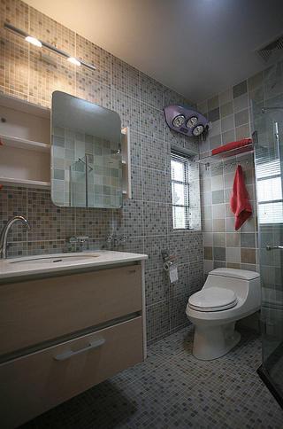 现代简约卫生间 马赛克瓷砖装饰图