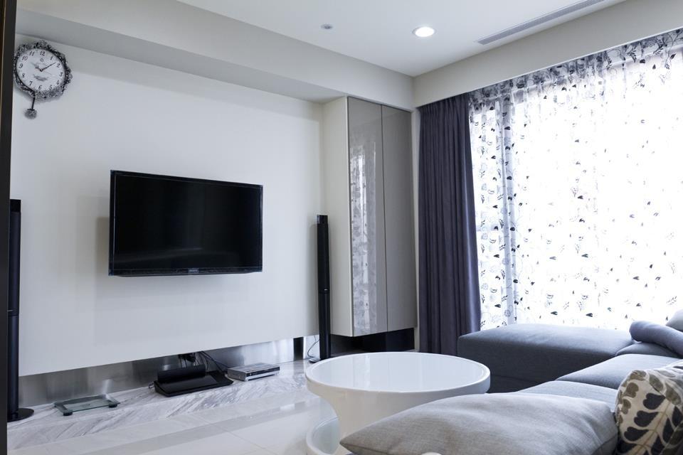 简约客厅白色电视墙效果图