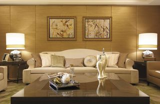 轻奢欧美风客厅照片墙设计图