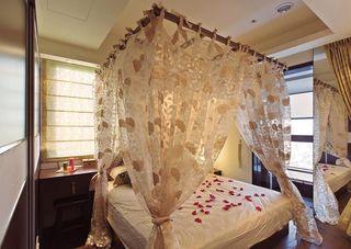 美式风格卧室床幔设计