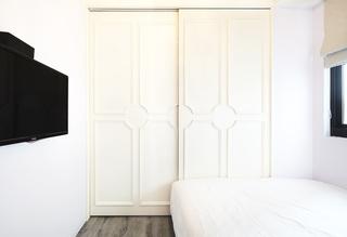 简约风格 卧室乳白色衣柜装饰图
