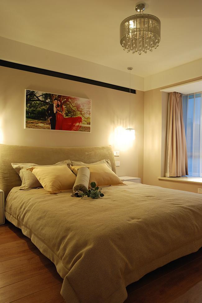 温馨现代简约卧室效果图欣赏