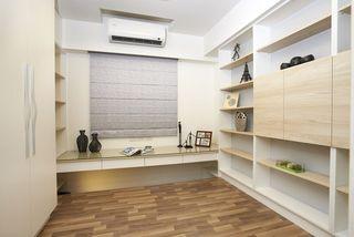 现代简约书房实木博古架设计